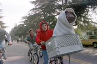 E.T. The Extra-Terrestrial: The 20th Anniversary Photo 16