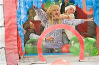 Four Christmases Photo 3