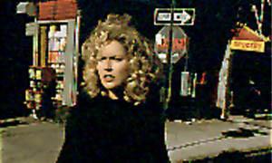 Gloria (1998) Photo 1 - Large