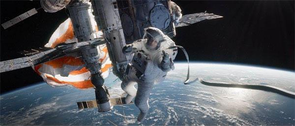 Gravity Photo 12 - Large