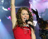 Hannah Montana & Miley Cyrus: Best of Both Worlds Concert Tour in Disney Digital  3-D Photo 8 - Large