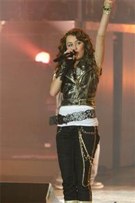 Hannah Montana & Miley Cyrus: Best of Both Worlds Concert Tour in Disney Digital  3-D Photo 2