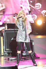 Hannah Montana & Miley Cyrus: Best of Both Worlds Concert Tour in Disney Digital  3-D Photo 7