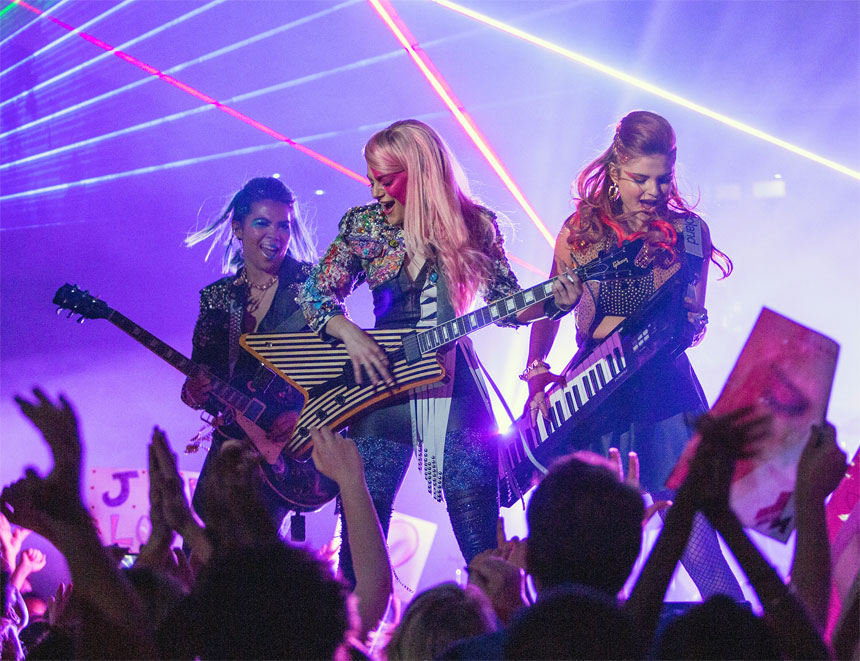 Jem and the Holograms Photo 3 - Large