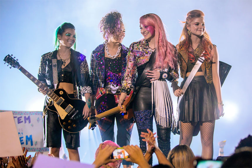 Jem and the Holograms Photo 2 - Large
