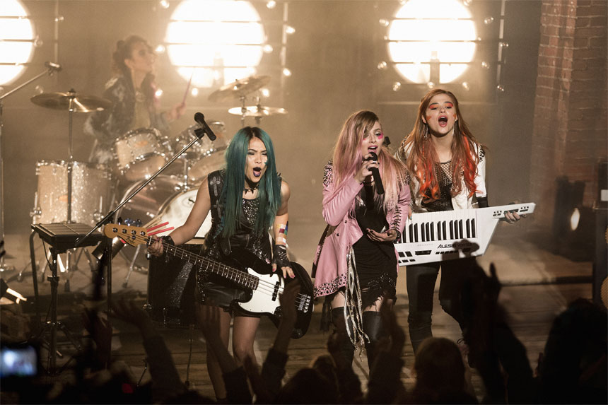 Jem and the Holograms Photo 1 - Large