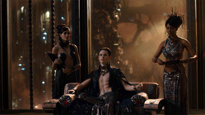 Jupiter Ascending Photo 31 - Large