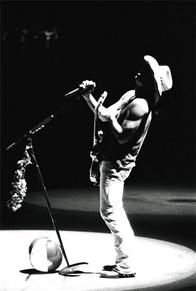 Kenny Chesney: Summer in 3D Photo 16