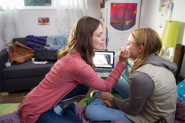 Laggies Photo 3 - Large