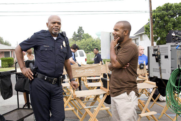 Lakeview Terrace Photo 9 - Large