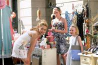 Uptown Girls Photo 2