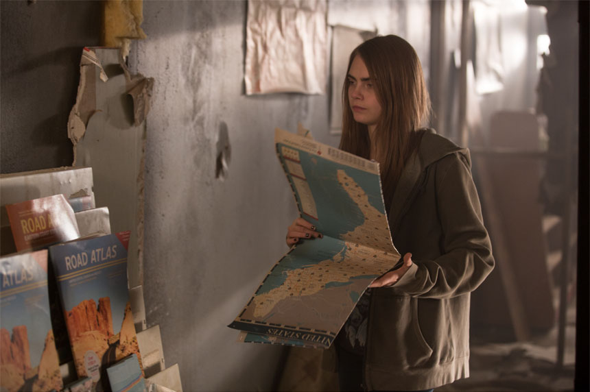 Paper Towns Photo 2 - Large