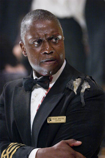 "ANDRE BRAUGHER as Captain Bradford in Warner Bros. Pictures' and Virtual Studios' action adventure ""Poseidon."" - Large"