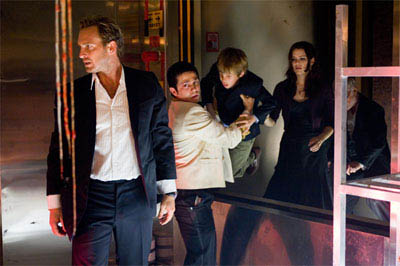 """(L-r) JOSH LUCAS as Dylan Johns, FREDDY RODRIGUEZ as Valentin, JIMMY BENNETT as Conor James and JACINDA BARRETT as Maggie James in Warner Bros. Pictures' and Virtual Studios' action adventure """"Poseidon."""" - Large"""