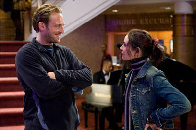 """JOSH LUCAS as Dylan Johns and MIA MAESTRO as Elena in Warner Bros. Pictures' and Virtual Studios' action adventure """"Poseidon."""" - Large"""