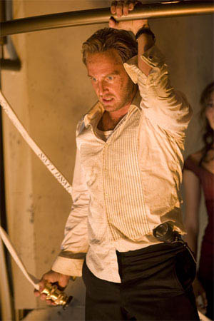"JOSH LUCAS stars as Dylan Johns in Warner Bros. Pictures' and Virtual Studios' action adventure ""Poseidon."" - Large"