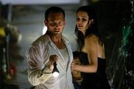 "JOSH LUCAS as Dylan Johns and JACINDA BARRETT as Maggie James in Warner Bros. Pictures' and Virtual Studios' action adventure ""Poseidon."""
