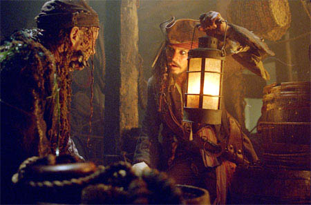 Pirates of the Caribbean: Dead Man's Chest (450X297)