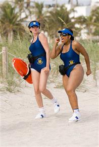 On patrol in Miami, Reno Deputies Trudy Wiegel (Kerri Kenney-Silver, left) and Raineesha Williams (Niecy Nash) try – futilely – to blend in with the beach crowd.