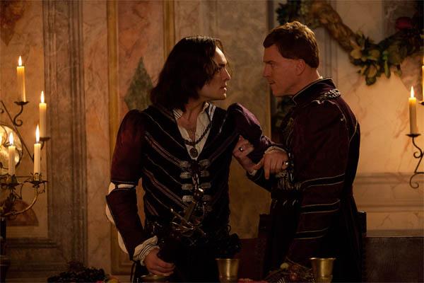 Romeo & Juliet Photo 4 - Large