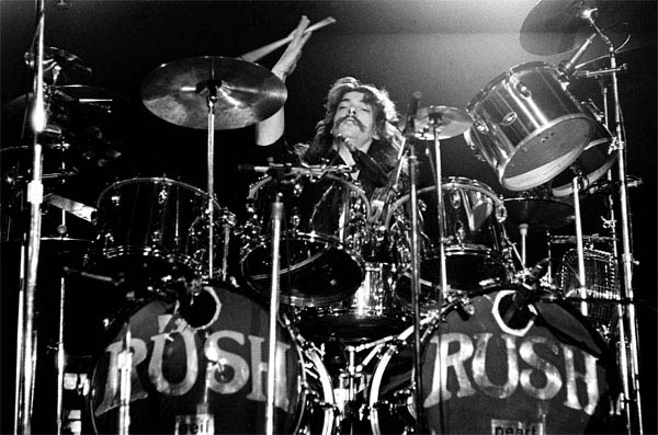 Rush: Beyond the Lighted Stage Photo 2 - Large