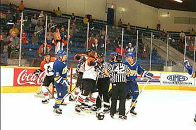 Slap Shot 2: Breaking the Ice Photo 2 - Large