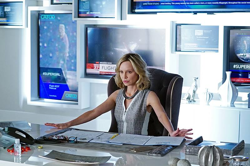 Supergirl: The Complete First Season Photo 2 - Large
