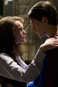 Superman (BRANDON ROUTH) invites Lois Lane (KATE BOSWORTH) to fly with him in Warner Bros. Pictures' and Legendary Pictures' action adventure Superman Returns.