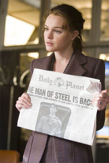 KATE BOSWORTH portrays Daily Planet ace reporter Lois Lane in Warner Bros. Pictures' and Legendary Pictures' action adventure Superman Returns.  - Large