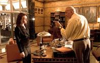 Daily Planet editor-in-chief Perry White (FRANK LANGELLA) gives marching orders to his top reporter Lois Lane (KATE BOSWORTH) in a scene from Warner Bros. Pictures' and Legendary Pictures' action adventure Superman Returns.