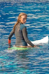 The Shallows Photo 22
