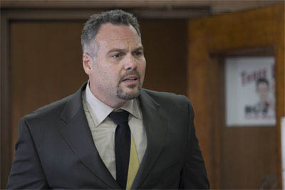 """Gary's nebbish brother, 3-Brothers Bus Tours co-owner Dennis Grobowski (VINCENT D'ONOFRIO), in the romantic comedy """"The Break-Up"""". - Large"""