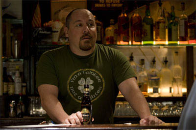 "Gary's best friend, thuggish bar owner Johnny O (JON FAVREAU), in the romantic comedy ""The Break-Up"". - Large"