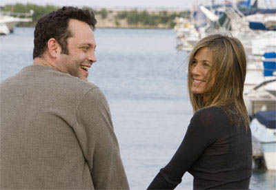 "Bus tour guide Gary Grobowski (VINCE VAUGHN) and art dealer Brooke Meyers (JENNIFER ANISTON) in happier times in the romantic comedy ""The Break-Up""."