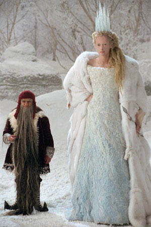 The Chronicles of Narnia: The Lion, the Witch and the Wardrobe (300X452)