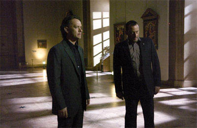 Tom Hanks (l) and Jean Reno star in Columbia Pictures