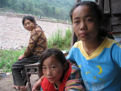 Up the Yangtze Photo 7 - Large