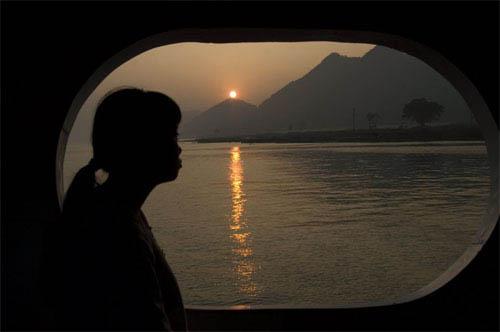 Up the Yangtze Photo 1 - Large