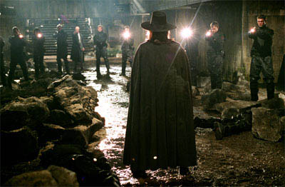 V for Vendetta Photo 20 - Large