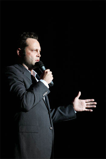 Vince Vaughn's Wild West Comedy Show: 30 Days and 30 Nights - Hollywood to the Heartland Photo 9 - Large