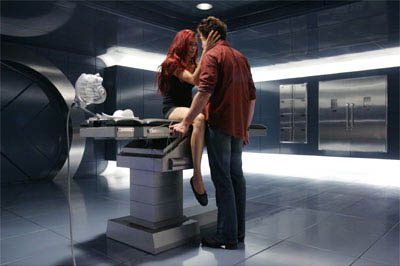 Jean Grey (Famke Janssen) and Wolverine (Hugh Jackman) rekindle their long-simmering attraction to one another.