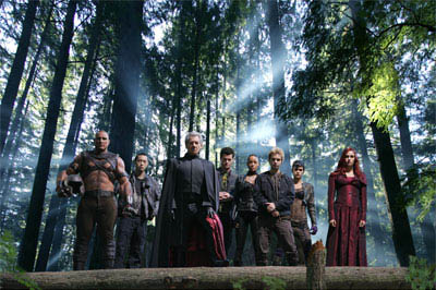 The Brotherhood of Evil Mutants – (left to right) Juggernaut (Vinnie Jones), Kid Omega (Ken Leung), Magneto (Ian McKellen), Multiple Man (Eric Dane), Callisto (Dania Ramirez), Pyro (Aaron Stanford) and Arclight (Omahyra) – are joined by Jean Grey/Dark Phoenix (Famke Janssen), as they ready for the war to end all wars.