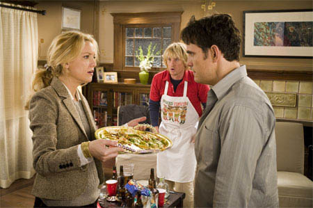 """(L to R) Molly (KATE HUDSON), permanent houseguest Dupree (OWEN WILSON) and Molly's husband Carl (MATT DILLON) discuss how not to make nachos in the comedy """"You, Me and Dupree"""". - Large"""