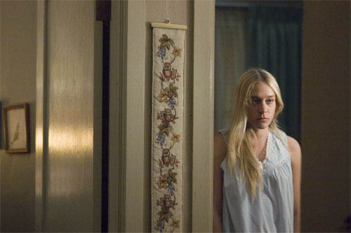 "Melanie (CHLOE SEVIGNY) gets mixed up in the case of a serial killer in Paramount Pictures and Warner Bros. Pictures' thriller ""Zodiac."" - Large"