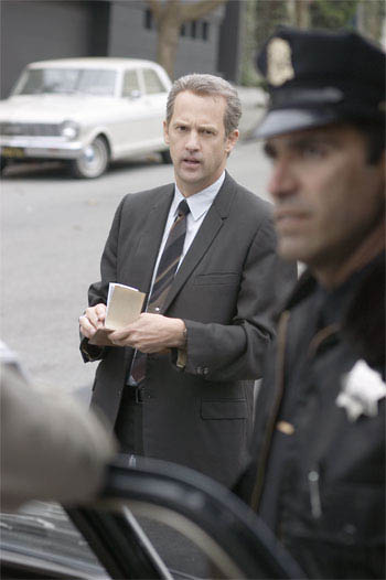 "Inspector Bill Armstrong (ANTHONY EDWARDS, left) tracks a serial killer in Paramount Pictures and Warner Bros. Pictures' thriller ""Zodiac.""  - Large"