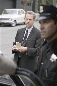 "Inspector Bill Armstrong (ANTHONY EDWARDS, left) tracks a serial killer in Paramount Pictures and Warner Bros. Pictures' thriller ""Zodiac."""